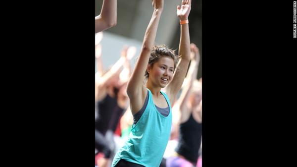 笑いヨガリーダー養成講座04 teen healing yoga